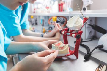 ¿Cuáles son los tipos de rehabilitación sobre implantes dentales?